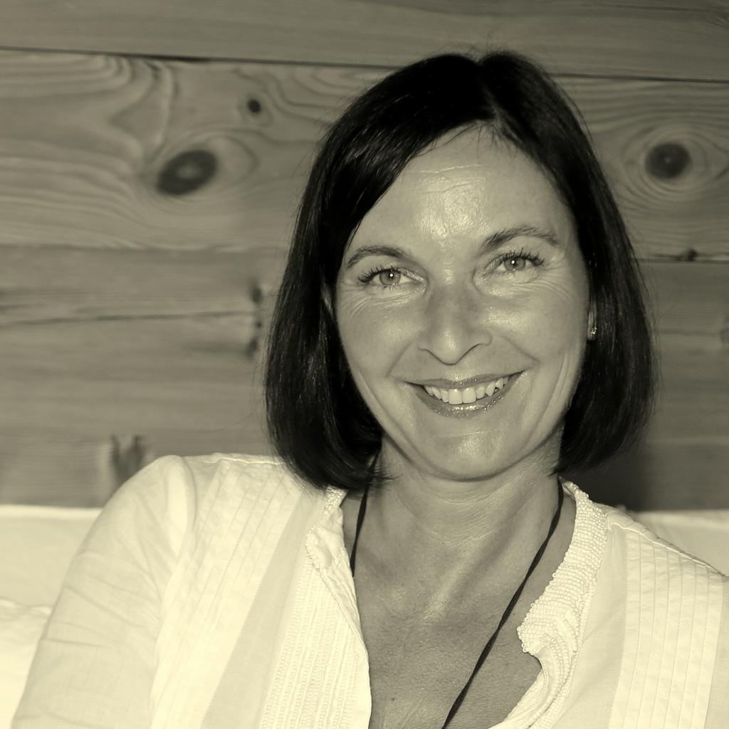 Jasmin Wullschleger Inhaberin Secrets Of Living Gmbh