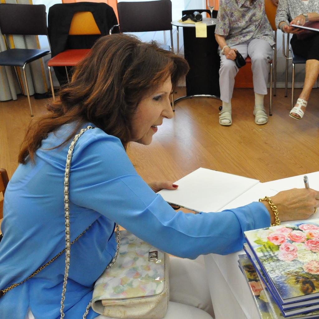 Sigrid Angela Drescher - Astrologin & Qigonglehrerin - Gesundheitsprävention ... - beatrice-ganz-foto.1024x1024