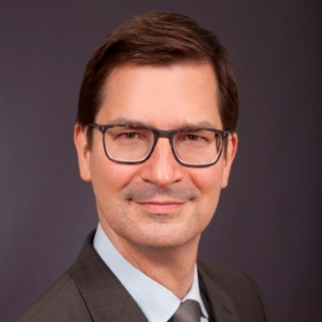 Dr Michael Freitag