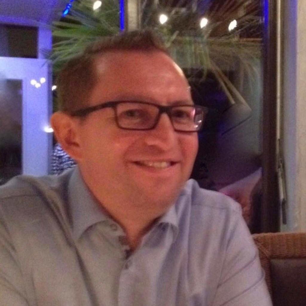 Ralf schultheis niederlassungsleiter der baustoffmann Lindner markisen frechen
