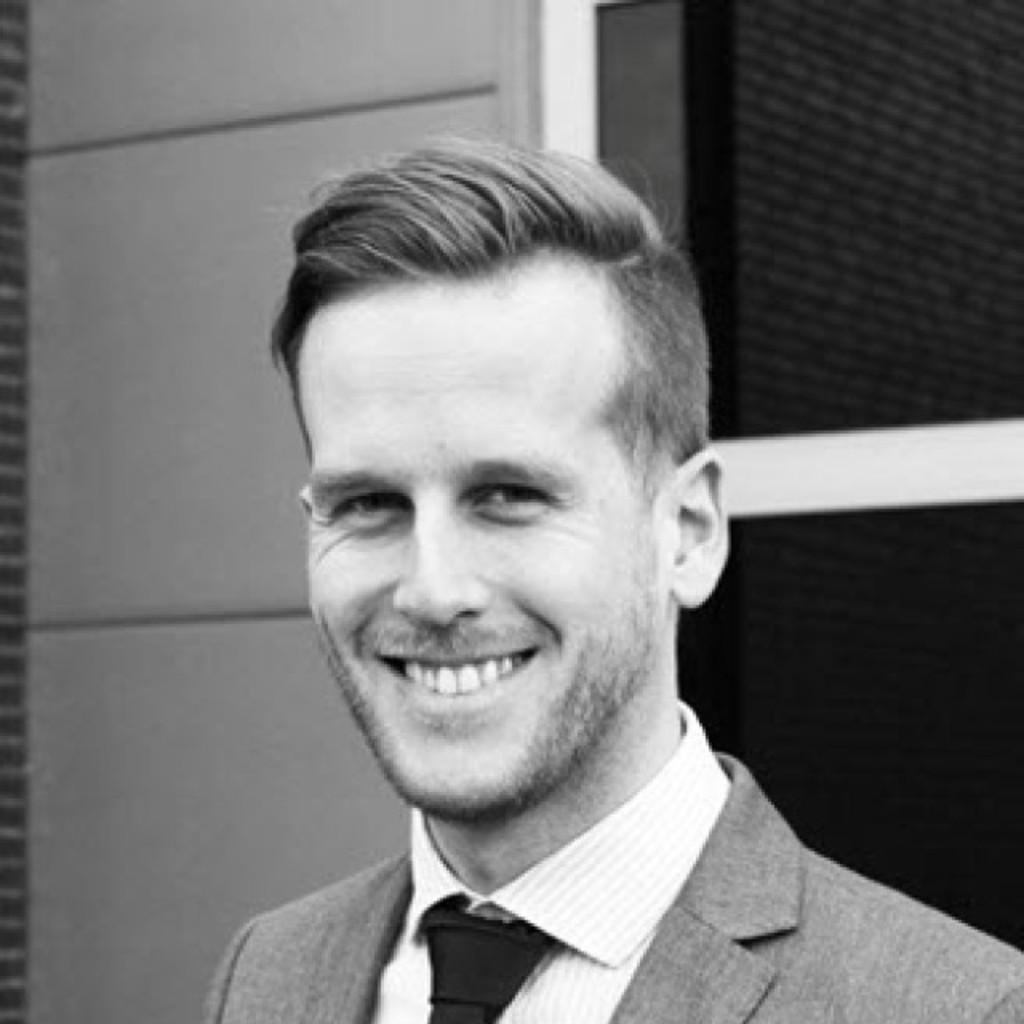 Chris steinacker gesch ftsf hrer hotz brand for Brand consultant
