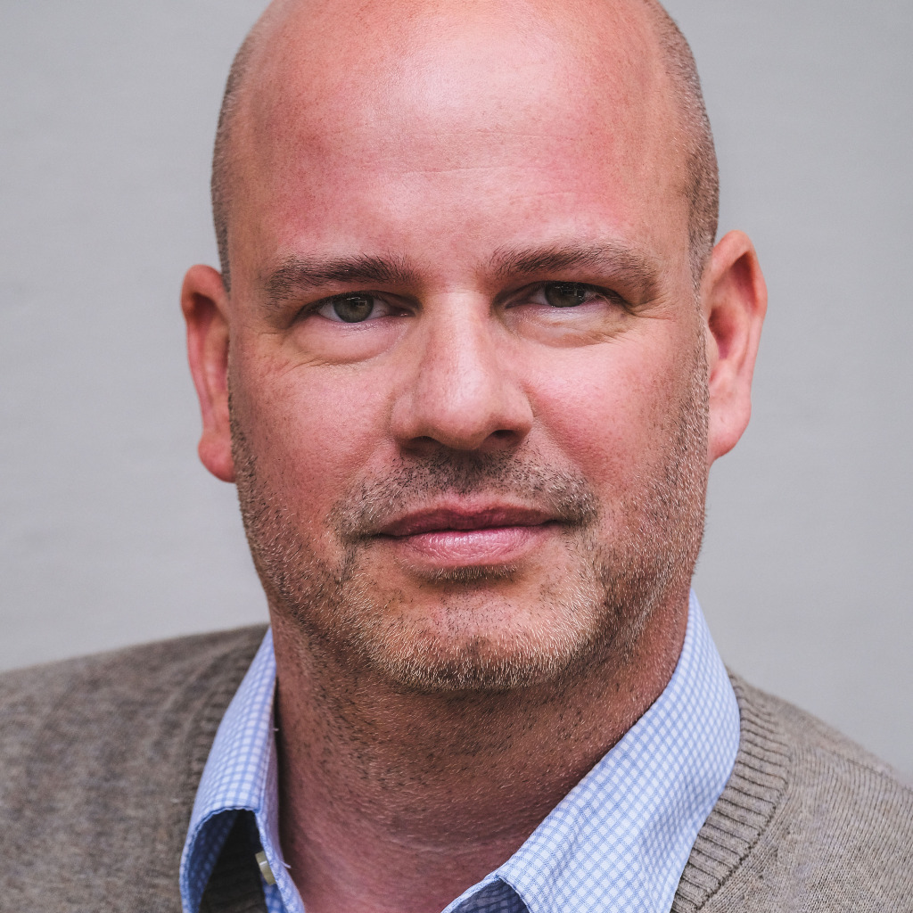 henrik stahl director marketing communication production