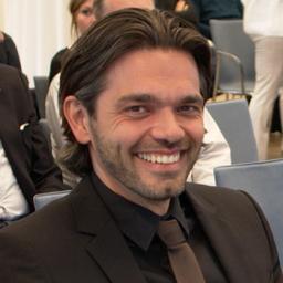 Prof. Dr. Dennis Ahrholdt