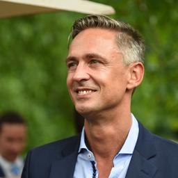 alexander schmitt head of business development business solutions sky deutschland. Black Bedroom Furniture Sets. Home Design Ideas