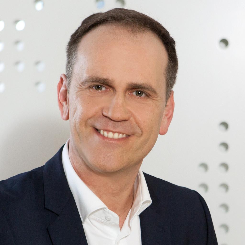 Rudolf koch gesch ftsf hrer philips lighting austria for Koch maschinenbau