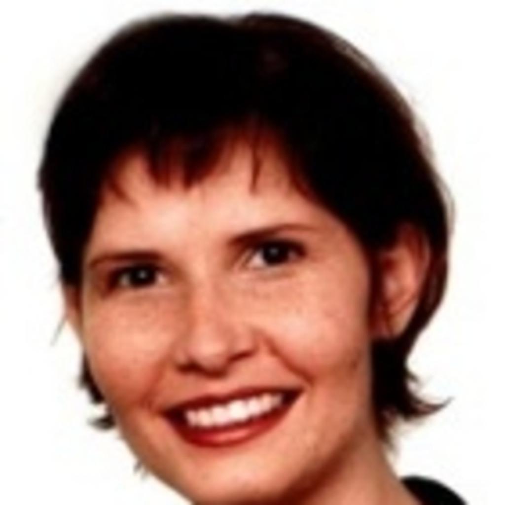 <b>Lydia Schrader</b> - Einkauf Foto und Zubehör - discount24 GmbH &amp; Co. KG | XING - lydia-schrader-foto.1024x1024