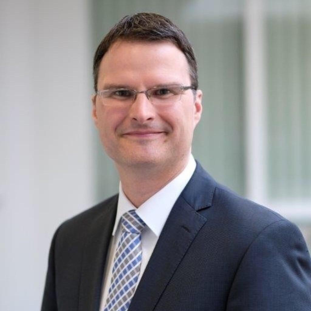 Christian koch leiter investmentberatung region west for Christian koch architekt