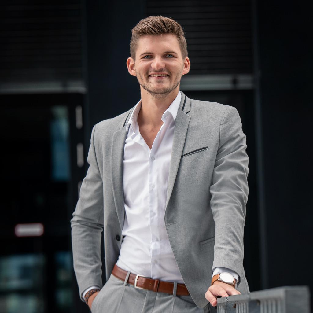 Lennart premm junior consultant business development for Junior consultant