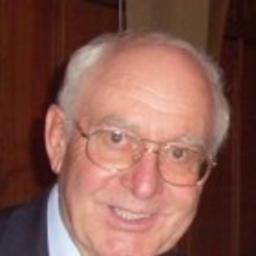 Dr. Roland Bardy