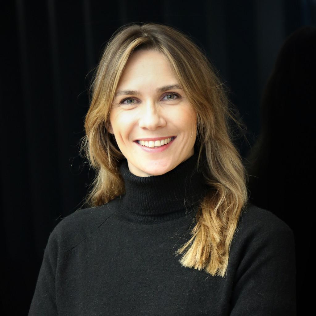 Sarah Kwaschnik - Senior Executive Public Relations and