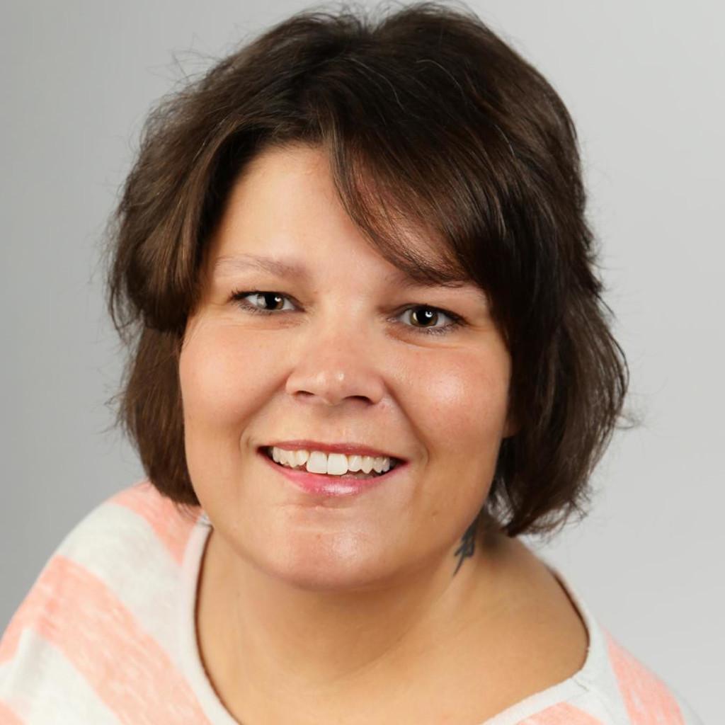Nancy weller senior it specialist disponentin cancom for Weller frankfurt
