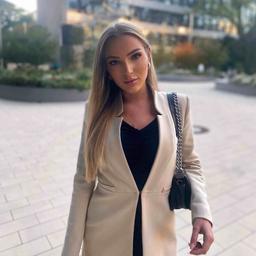 Martina Oberholzner - AMPEERS ENERGY GmbH - Munich