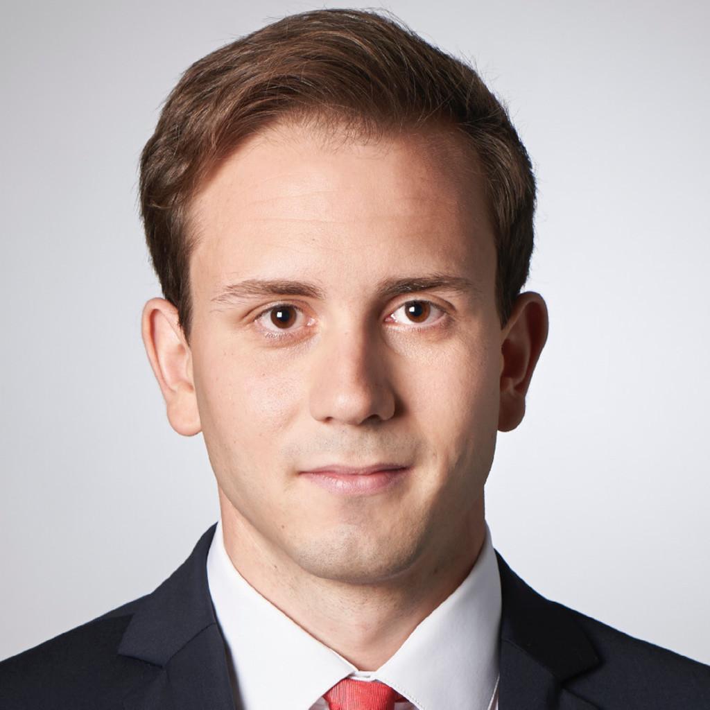 Benedikt berthel junior consultant st hr faktor for Junior consultant