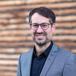 Dr. Julian Vogel