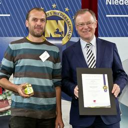 Klaus Ahrens - Imkerei Ahrens - Faßberg