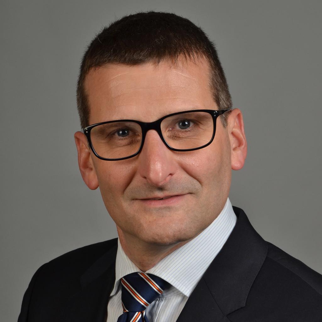 Falk grosslaub projekt manager bau abwicklung siemens for Maschinenbau offenbach