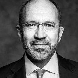 Prof. Dr. Wolfgang Kuhla - Raue LLP - Berlin