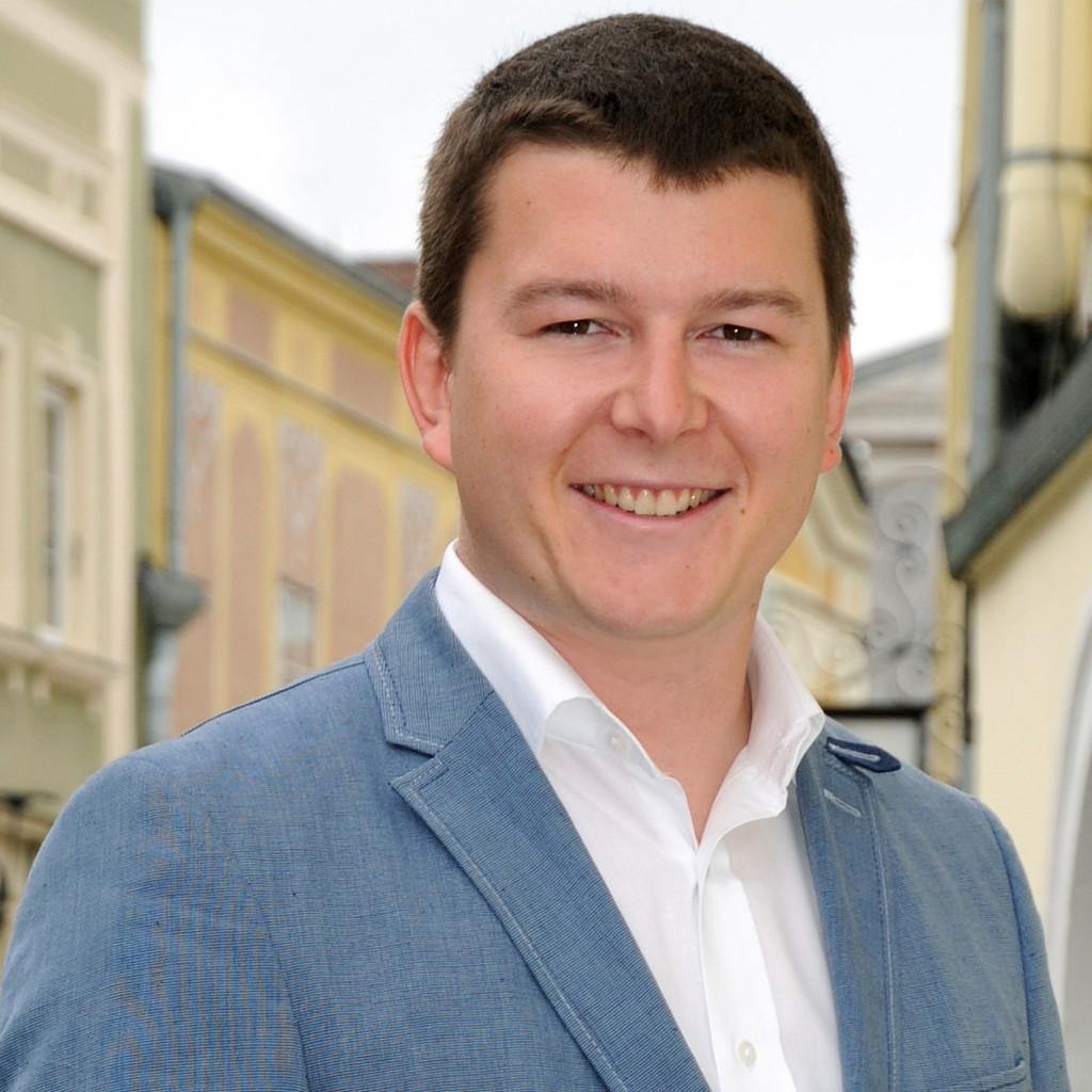 <b>Ulrich Eder</b> - Bezirksgeschäftsführer Linz-Land - Oberösterreichische ... - ulrich-eder-foto.1024x1024