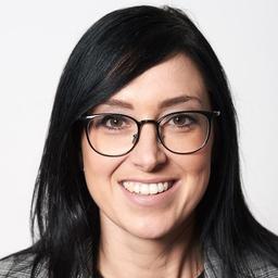 Mag. Julia Schwaiger - Porsche Bank AG - Salzburg