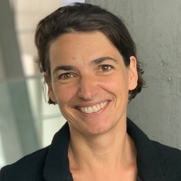 Prof. Dr. Christine Vallaster