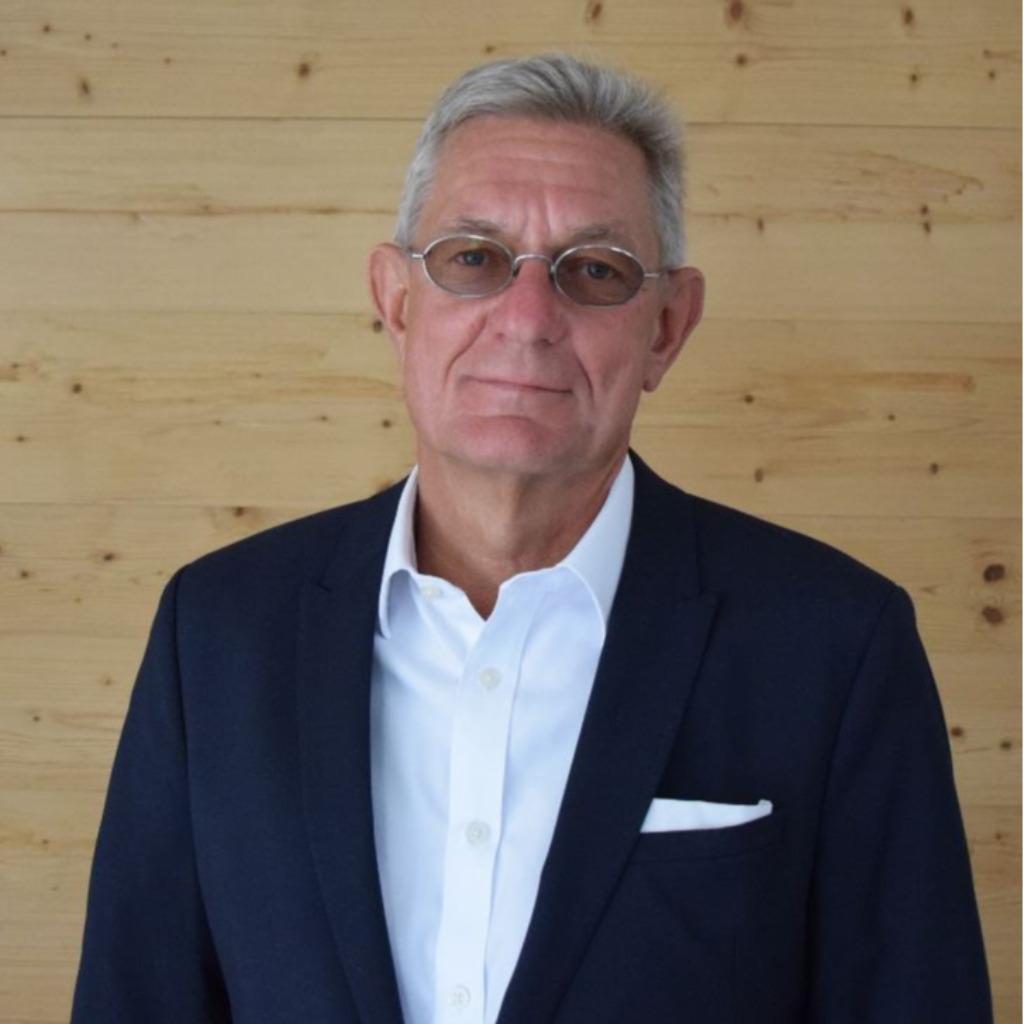 Alexander schmidt gesch ftsf hrer sales director dach for Maschinenbau offenbach