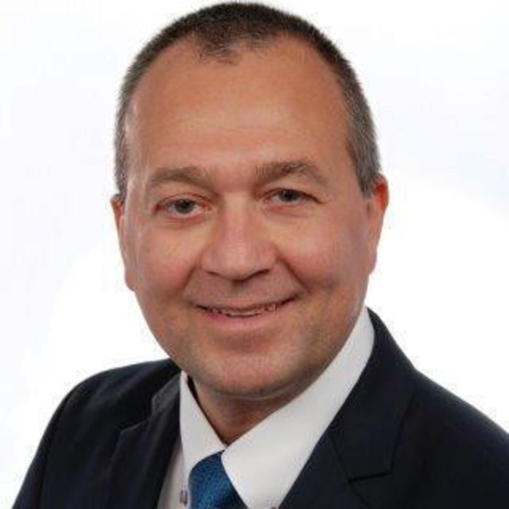 Cersten gerd buro director unicredit bank xing for Buro 6 zutphen