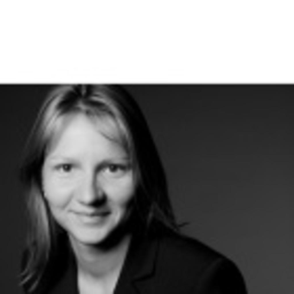 Anja Miericke Prokuristin Und Leiterin Bestandsverwaltung