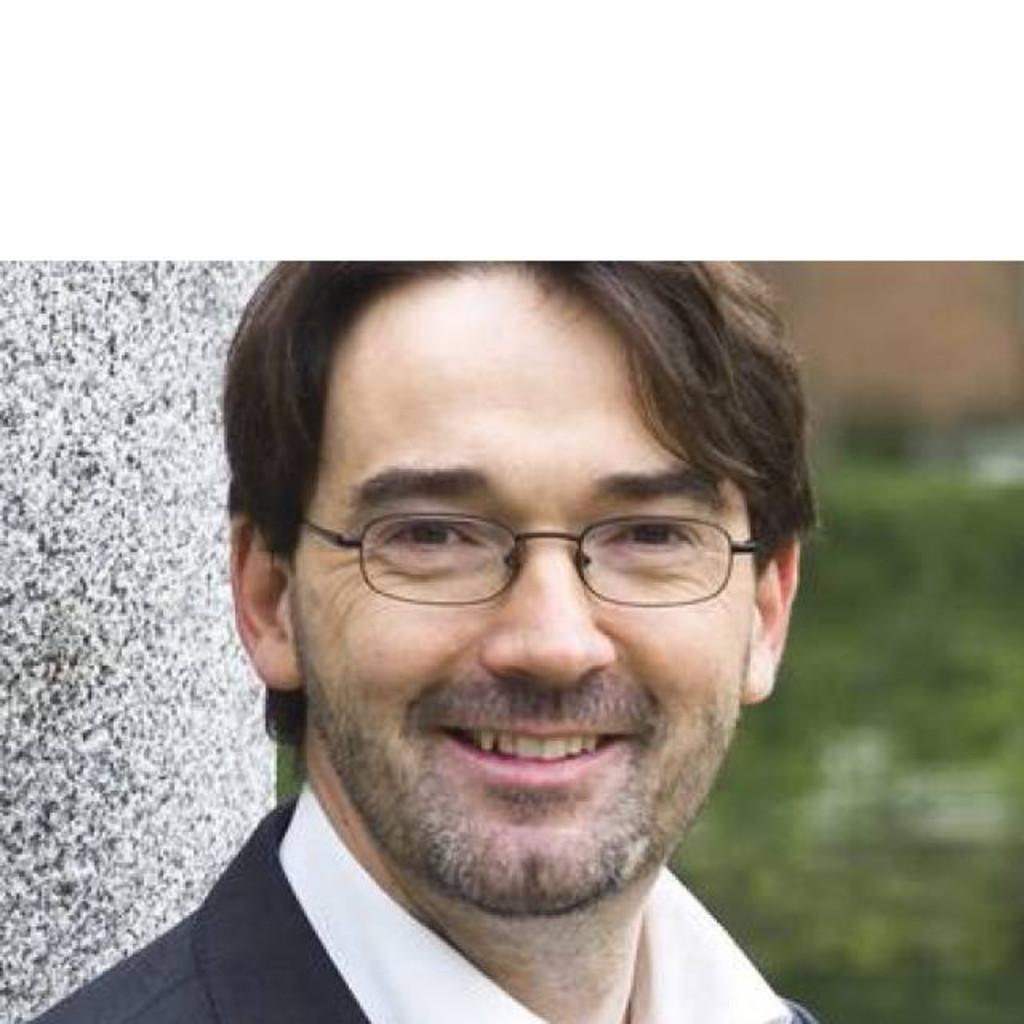 Dr Nikolaus Ahlten