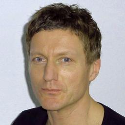 Bernd Hinrichs - *