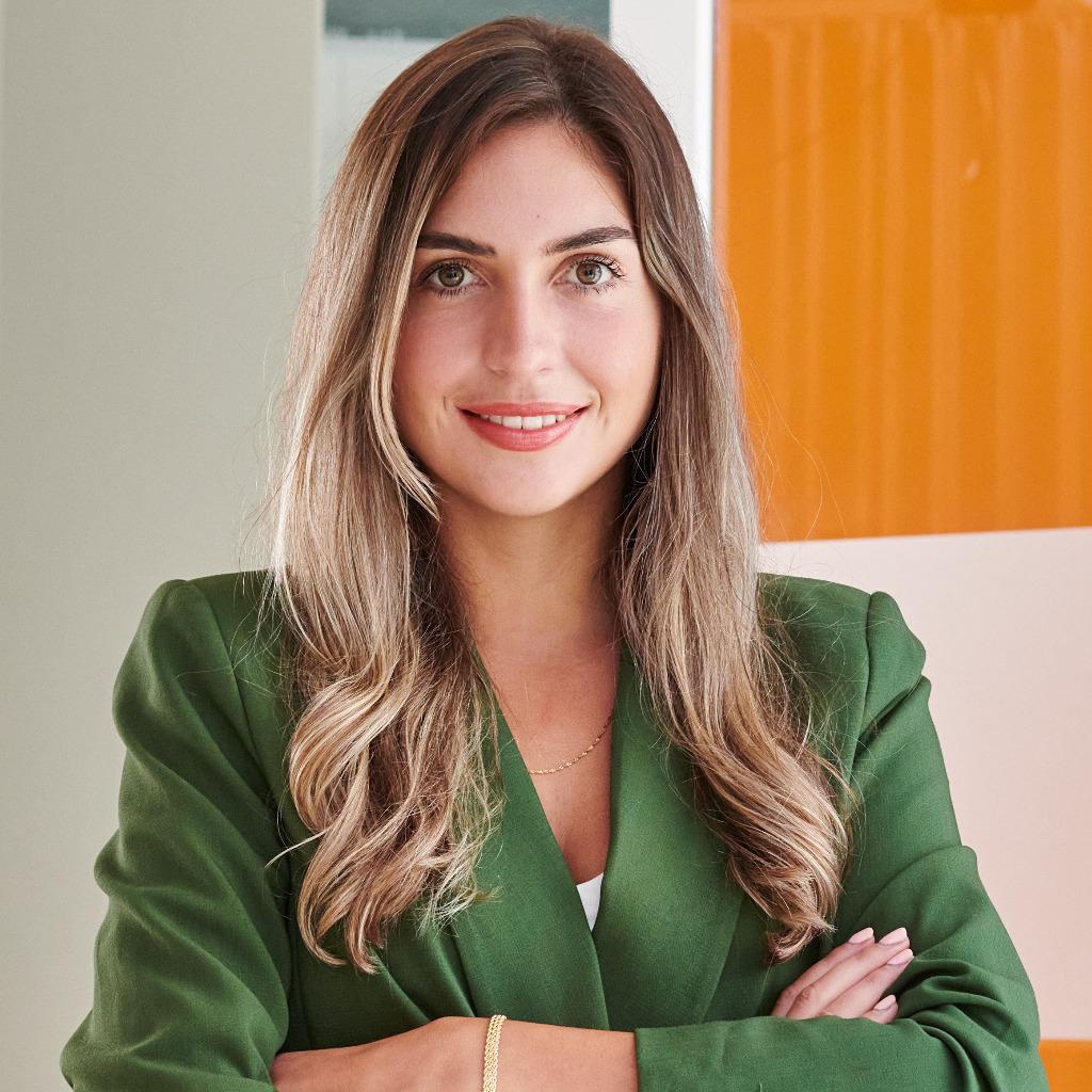 Ariana Curanovic Betriebswirtschaftslehre Universität