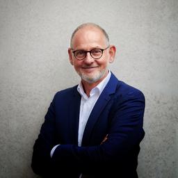 Dr. Martin Ecker