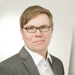 Dr. Martin Junge