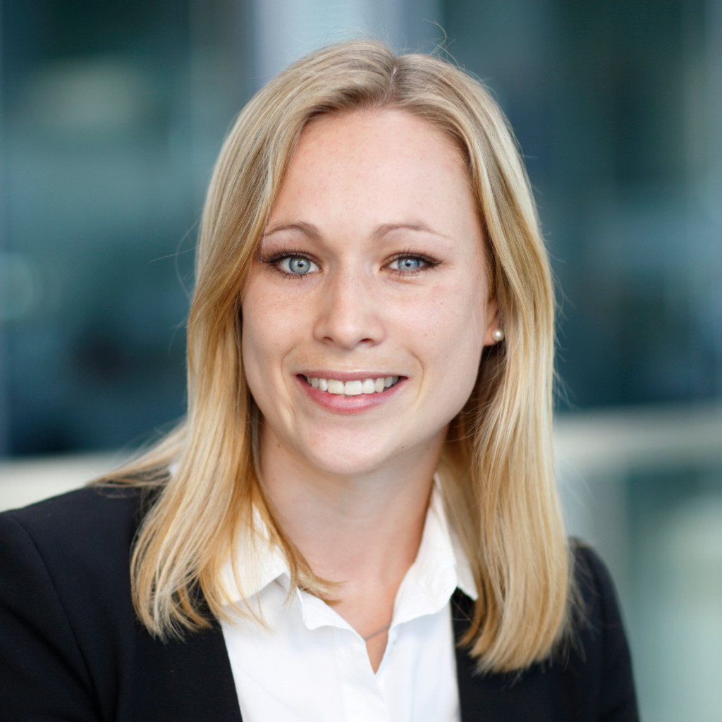 Yvonne Neudecker - Consultant - PwC | XING