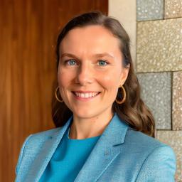 Sophia Hagl - Sixt GmbH & Co. Autovermietung KG - München