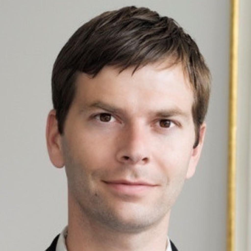 Dr gregor scholze head of legal regulatory affairs for Juristischer mitarbeiter