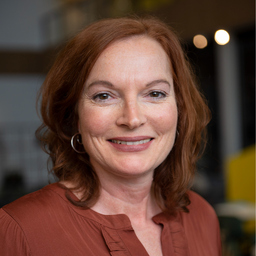 Andrea van de Loo - Gateway to Germany - Düsseldorf