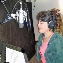 Lizy Stoliar - Lizy Stoliar-Locutora - Lima