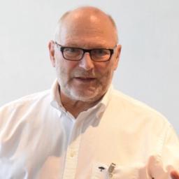 Dr. Hubert Stieve