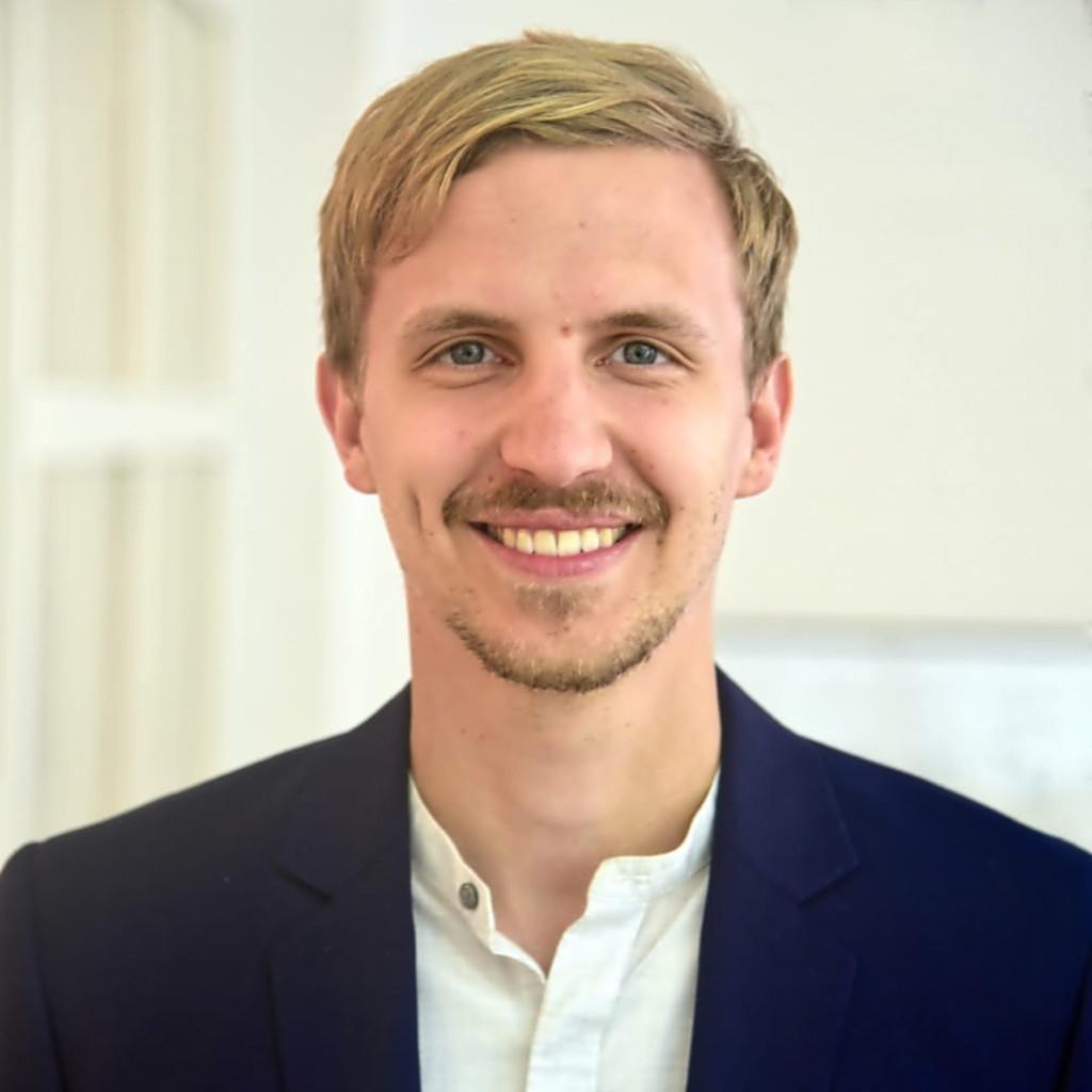 Claudio rehmet junior consultant lautenbach sass xing for Junior consultant