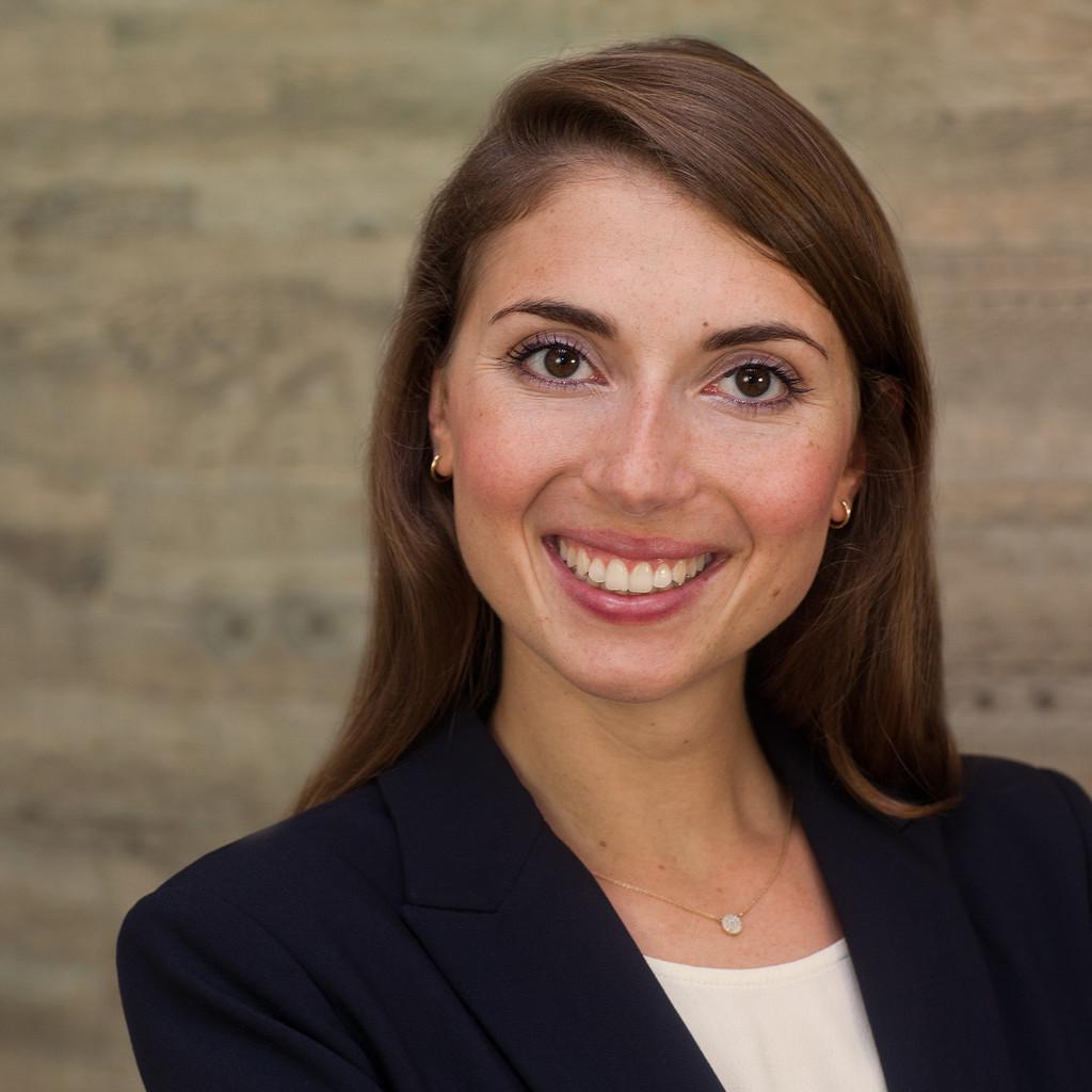 <b>Laura Steffen</b> - Juristin - Aderhold Rechtsanwaltsgesellschaft mbH | XING - laura-steffen-foto.1024x1024