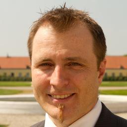 Bernhard Hößl