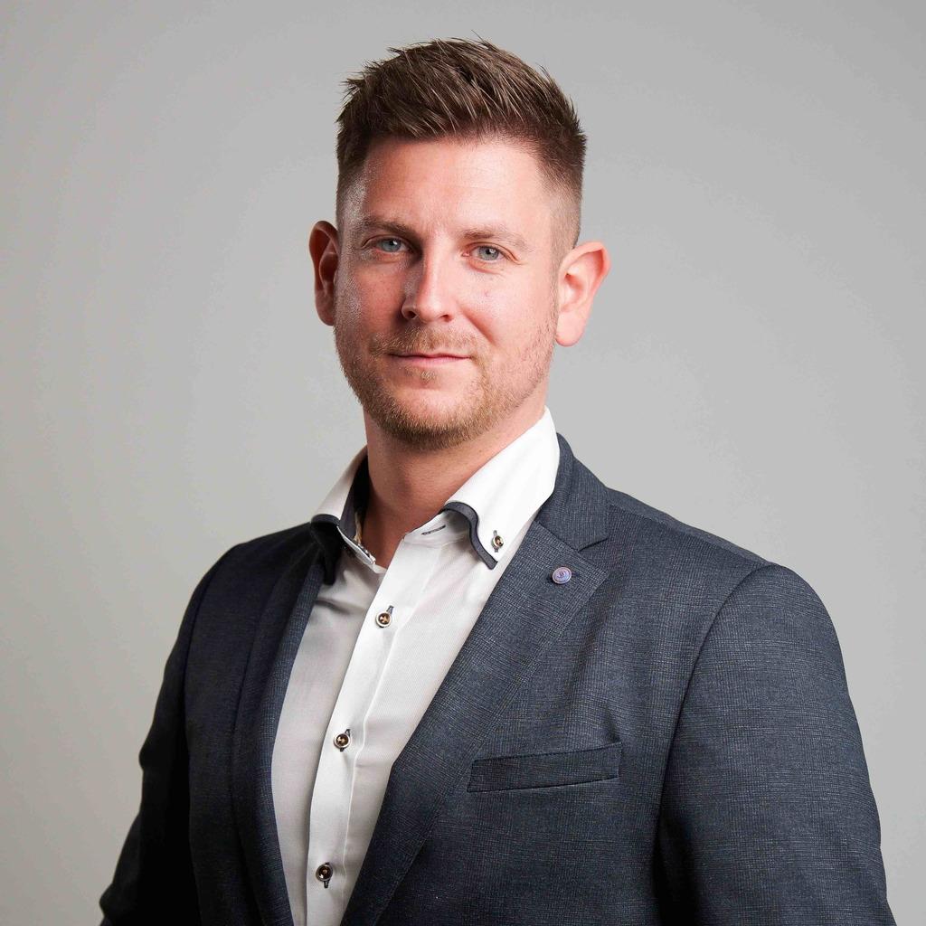 <b>Markus Plum</b> - Abteilungsleiter Baufinanzierung - Volksbank Hohenlimburg eG | ... - tobias-kunz-foto.1024x1024