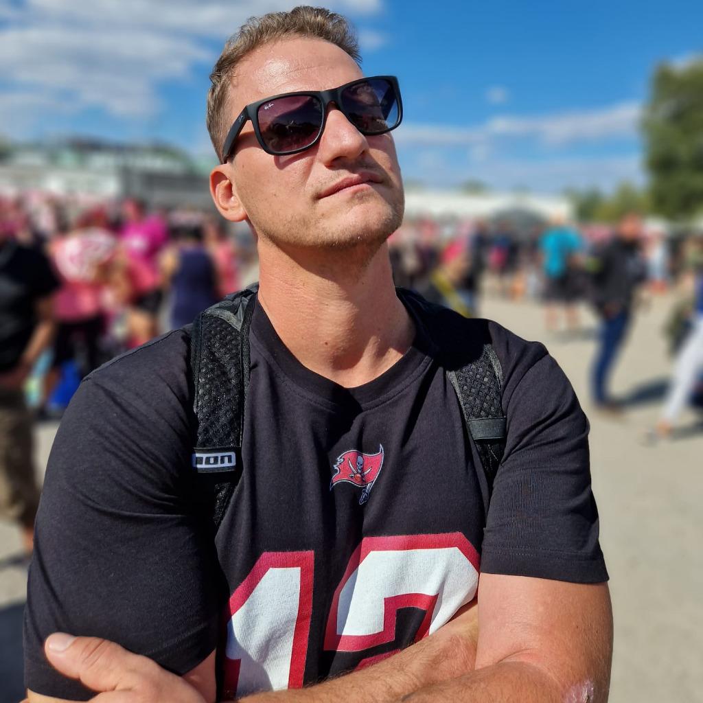Florian Riedel Sales Het Hamburg Energy Trading Gmbh
