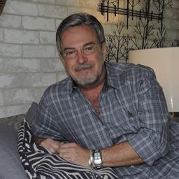 Hugo Lucas - med - Reston