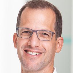 Dr. Nicolas Gumpert