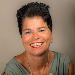 Mag. Manuela Wagner-Ottawa
