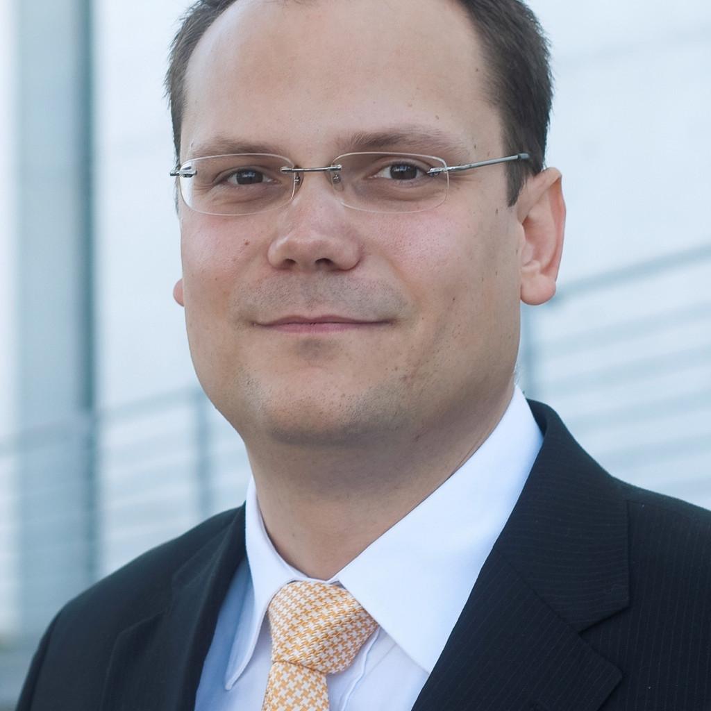 Sebastian gr tzner steuerassistent baker tilly for Juristischer mitarbeiter