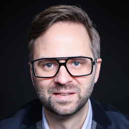 Christoph Giesa - Christoph Giesa - Autor + Drehbuchautor + Berater - Hamburg