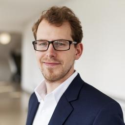 Stefan Eggers - LEWIS Communications GmbH - München