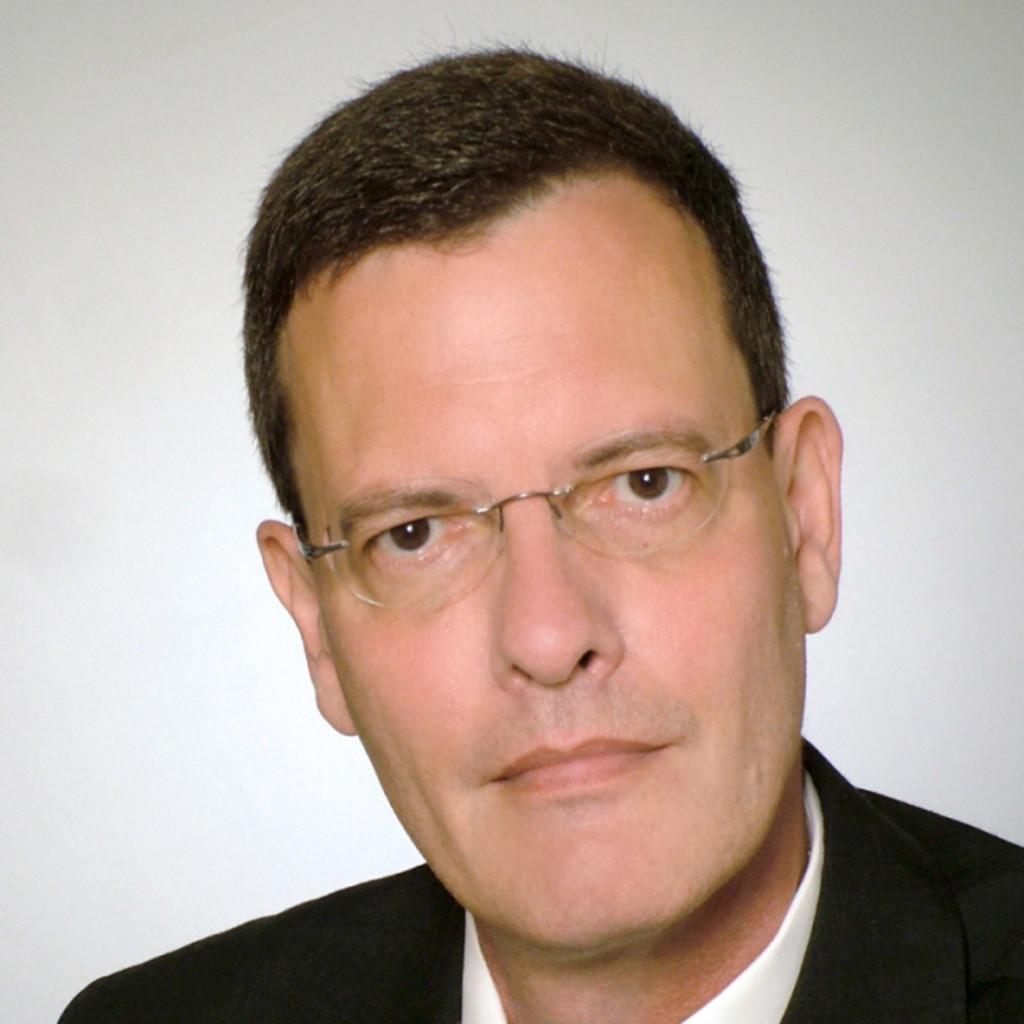 Michael hofer head of it vietinbank filiale for Michael hofer